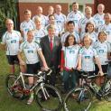 Volksbank spendiert neue Rad-Trikots